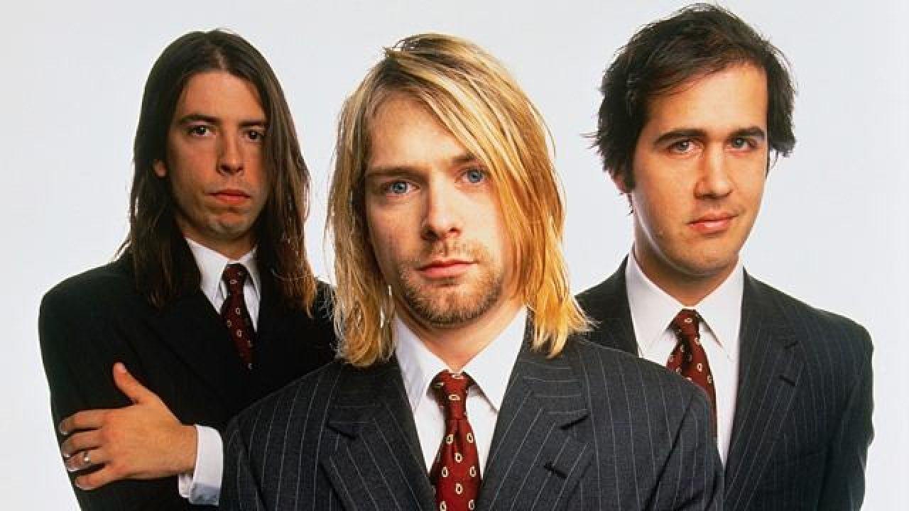 """""""Drowned in the sun"""", il nuovo brano composto dai Nirvana. Anzi, no: dall'intelligenza artificiale thumbnail"""