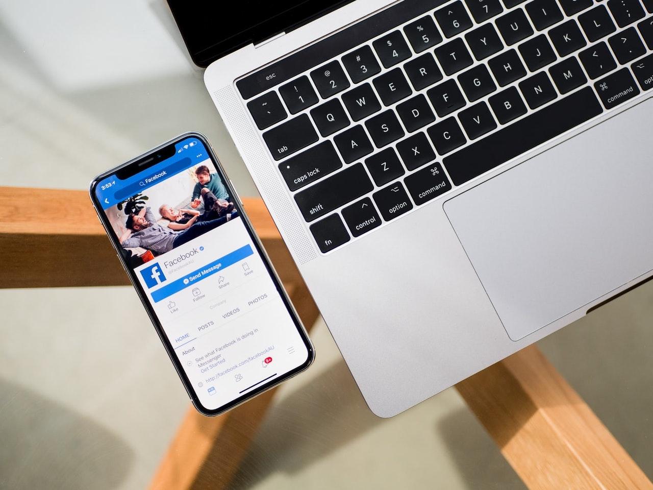 Facebook Pay permetterà i pagamenti tra persone tramite codice QR thumbnail