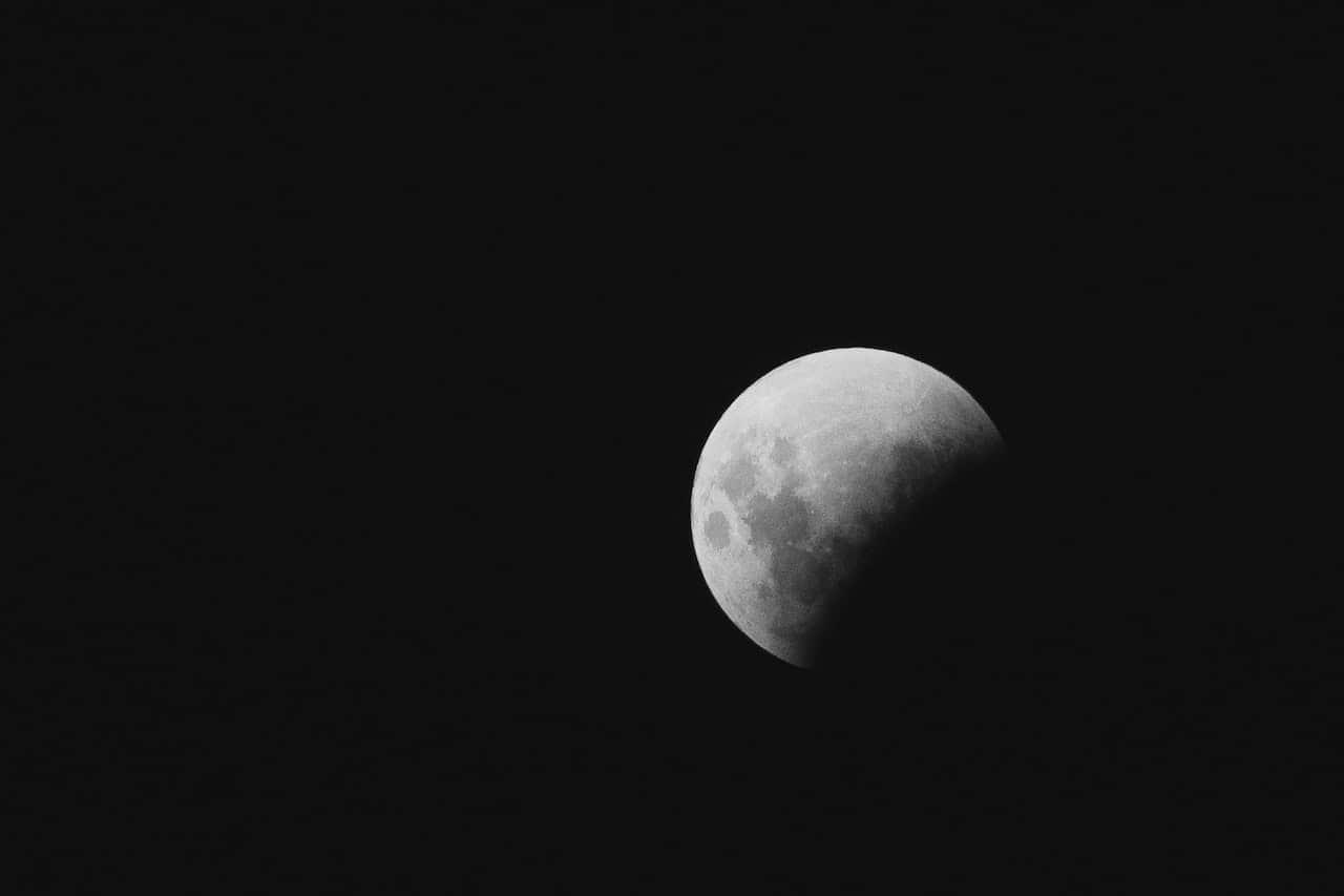 La Luna e la parità di genere thumbnail