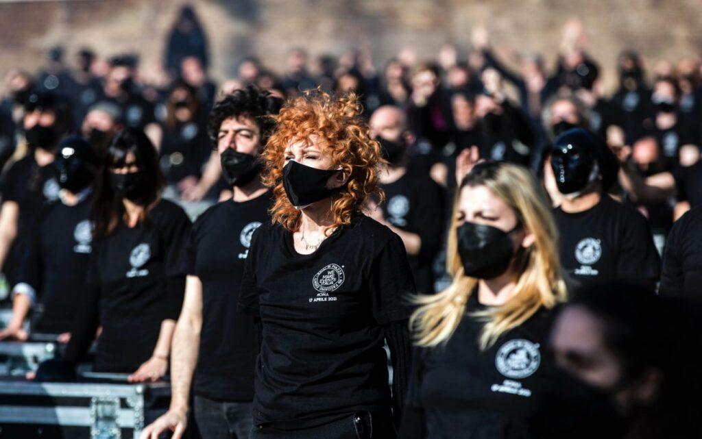 protesta mondo dello spettacolo cantanti