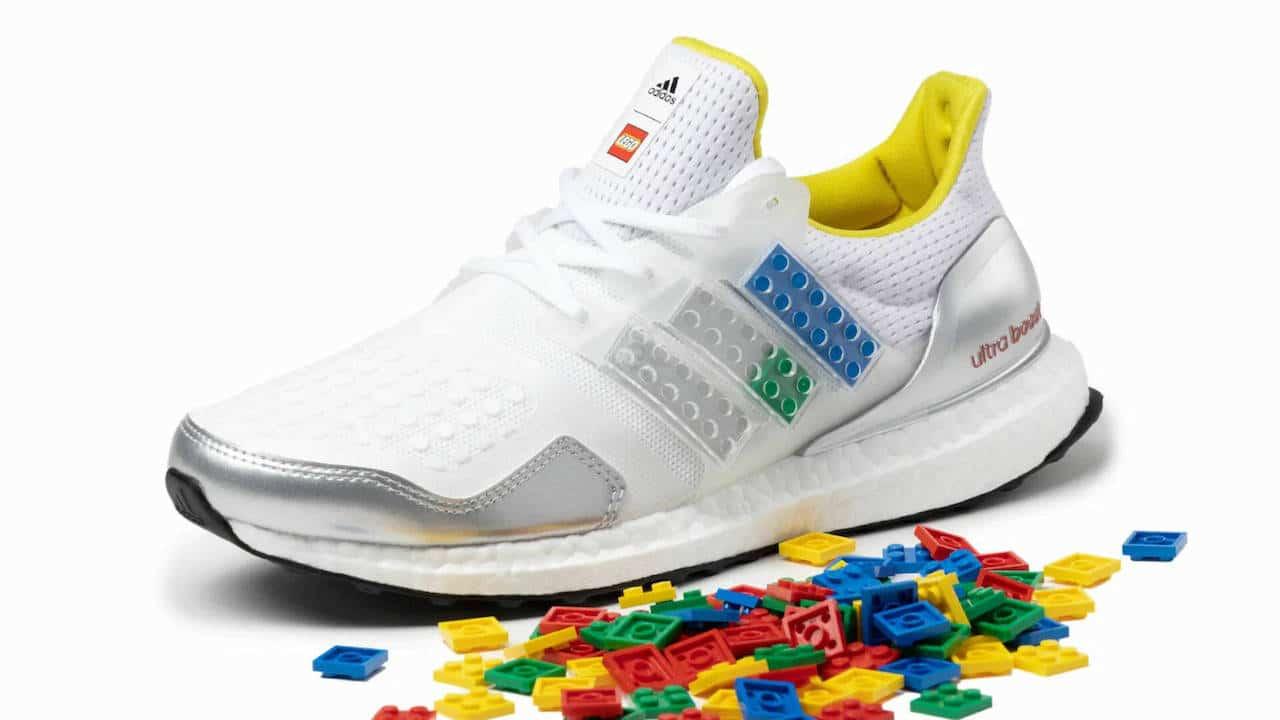 Ultraboost DNA, le nuove scarpe di Adidas customizzabili con i Lego thumbnail