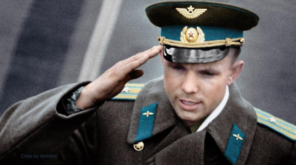 Yuri Gagarin spazio divisa