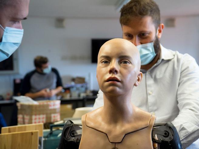 Abel robot umanoide ricercatori