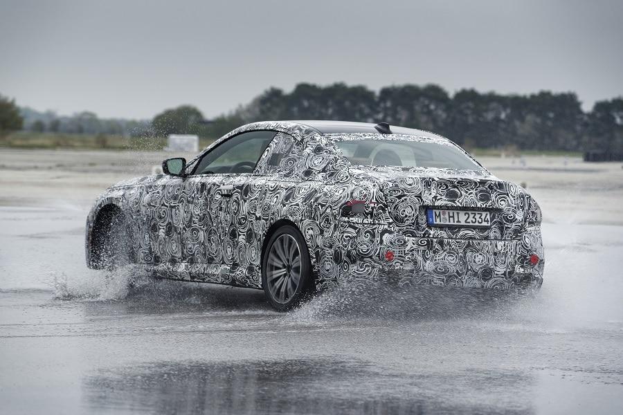 BMW Serie 2 Coupé derapata