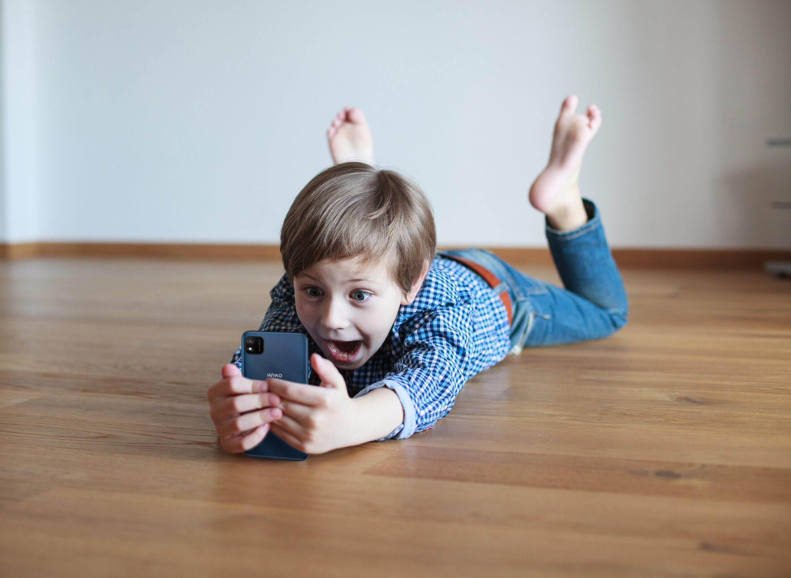 Educazione al digitale: una guida smart per i genitori thumbnail