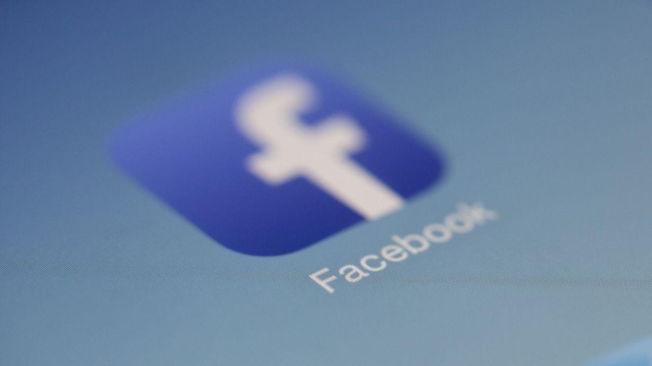 Facebook attaccato da attivisti filopalestinesi thumbnail