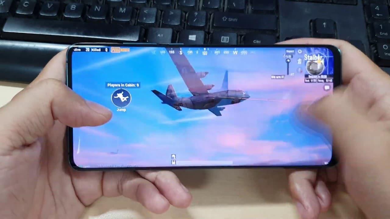 Huawei è al lavoro su un display pieghevole pensato per il gaming thumbnail