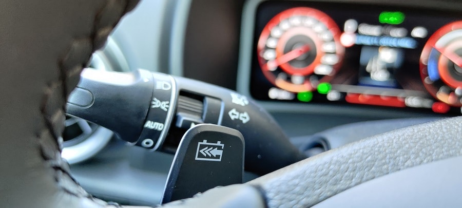 Hyundai Kona elettrica paletta
