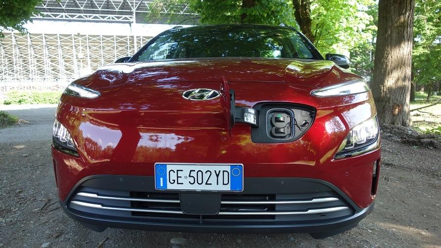Hyundai Kona elettrica presa di ricarica