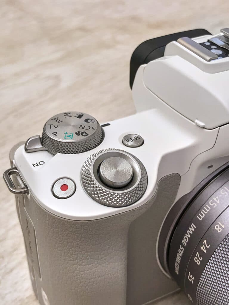 La ghiera coassiale della Canon EOS M50 Mark II