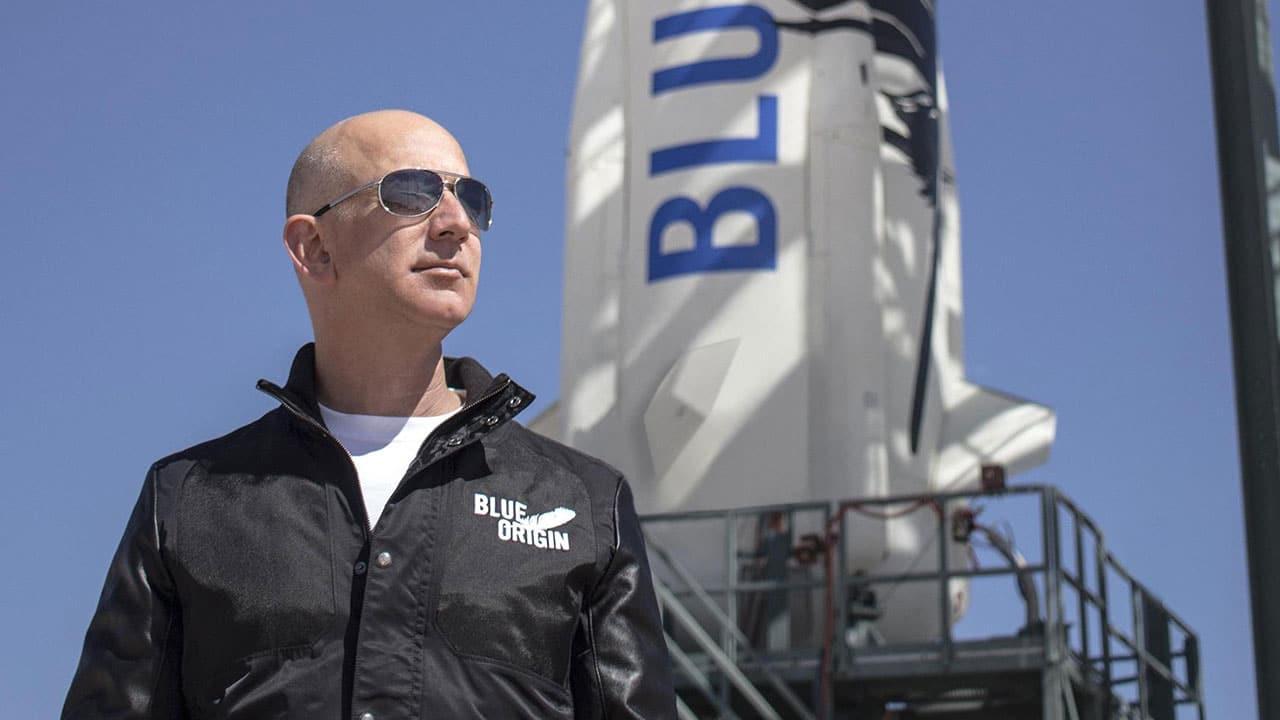 Tutto pronto per il volo nello spazio di Jeff Bezos thumbnail