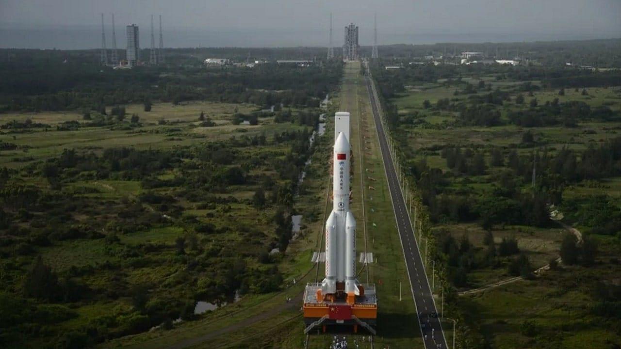 La NASA rimprovera la Cina per l'atterraggio senza controllo del razzo Lunga Marcia 5B thumbnail