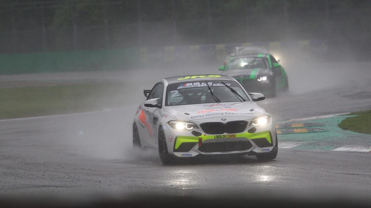 BMW M2 CS Racing Cup Italy: grandissimo esordio a Monza, vincono Zanin e Sandrucci thumbnail