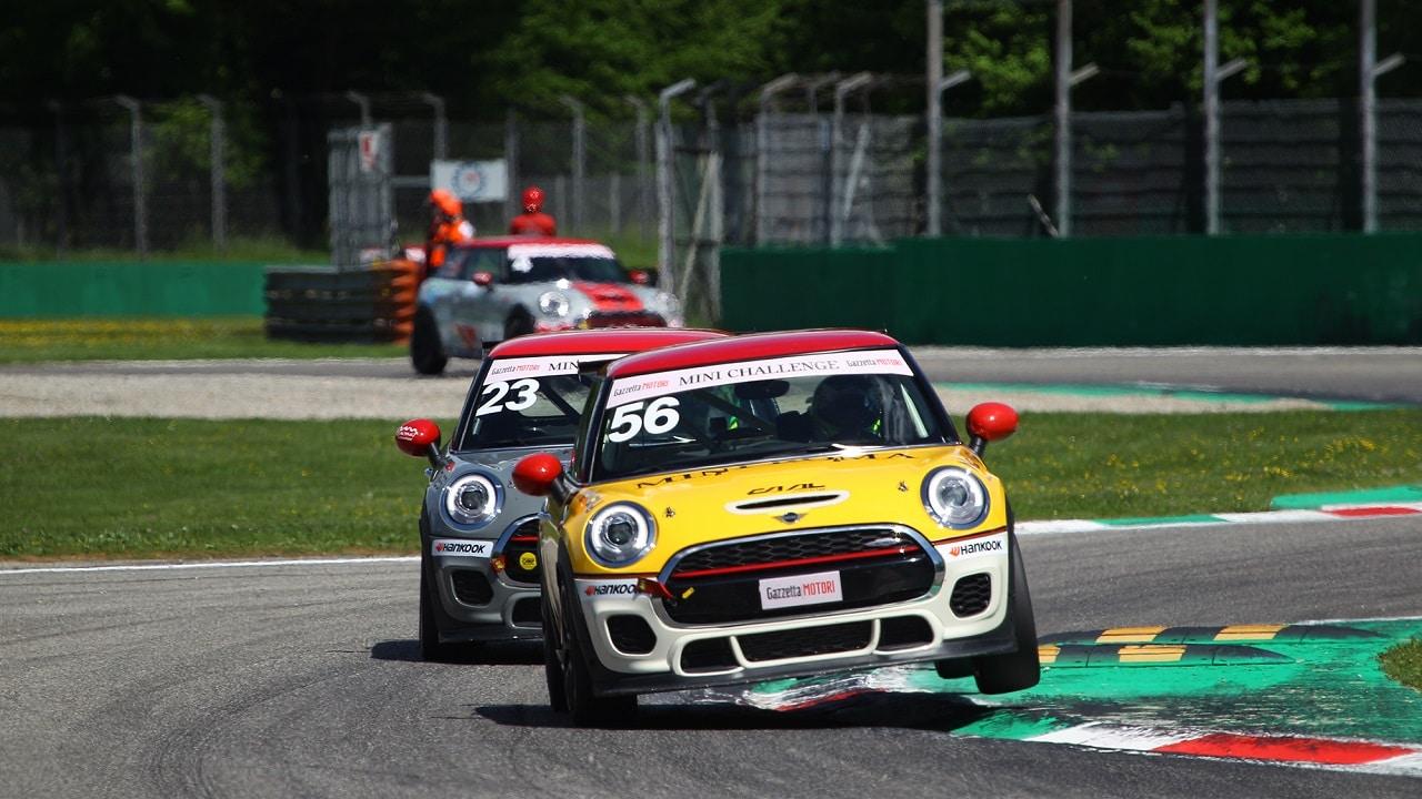 Gran debutto per la stagione 2021 del MINI Challenge a Monza: vincono Bagnasco e Mercatali thumbnail