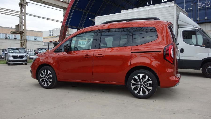 Renault Kangoo 2021 laterale piena