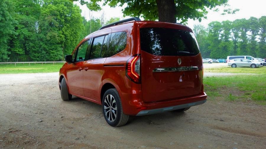 Renault Kangoo 2021 laterale_Fotor