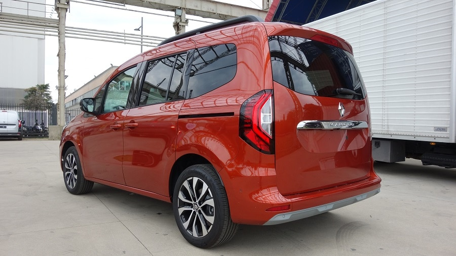 Renault Kangoo 2021 posteriore2