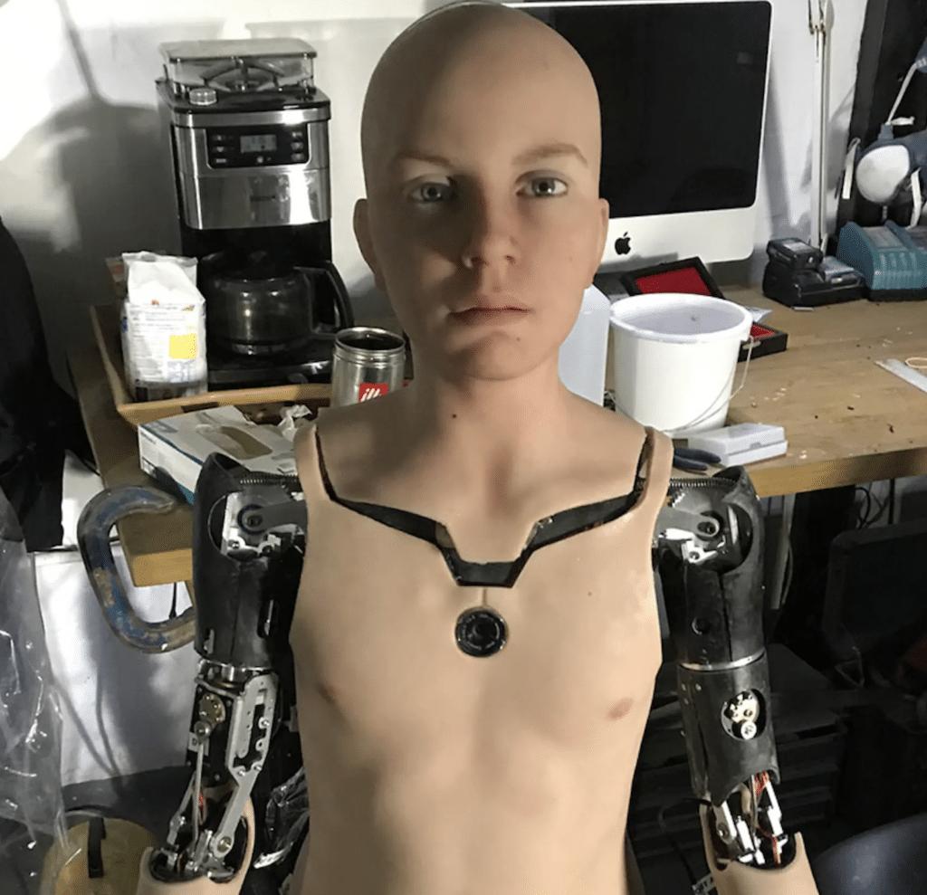 Abel robot umanoide dodicenne
