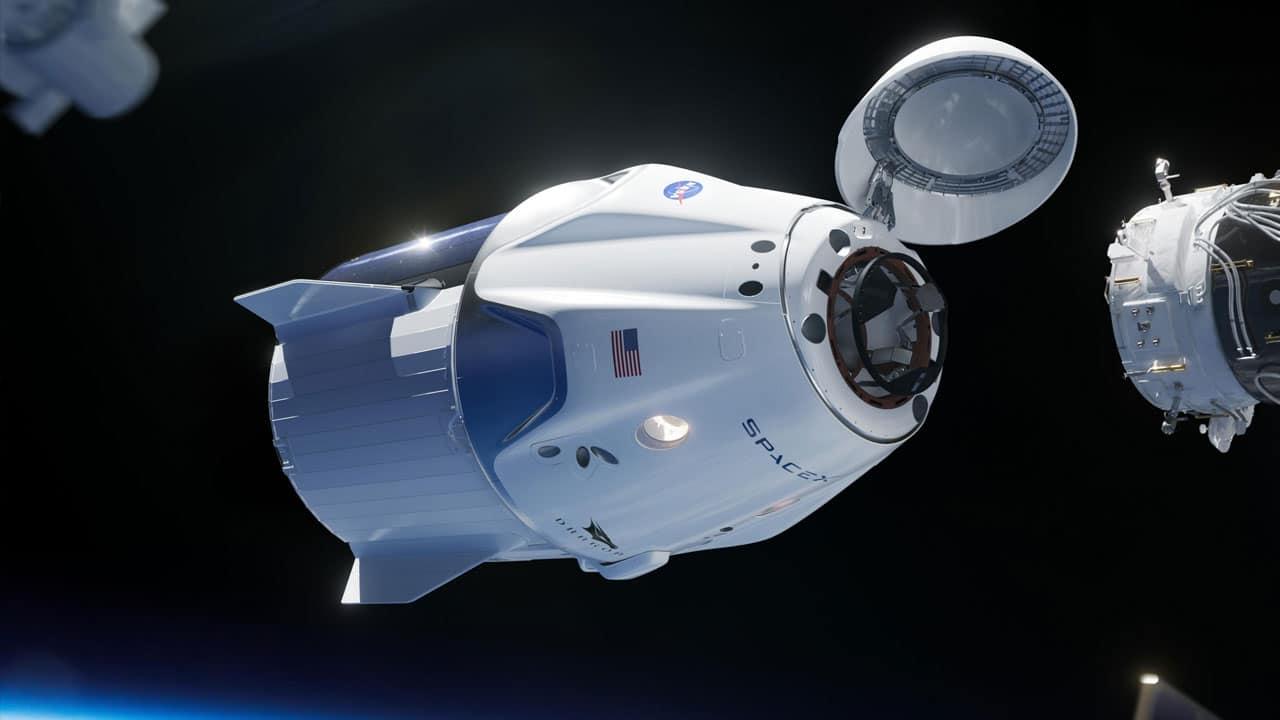 La Crew Dragon di SpaceX riporta a casa quattro astronauti thumbnail