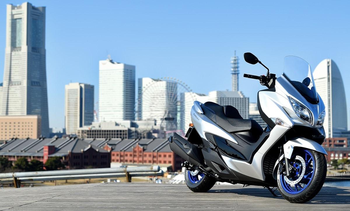 Suzuki Burgman 400: disponibile da 99 euro al mese thumbnail
