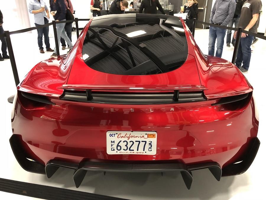 Tesla Roadster razzi posteriori