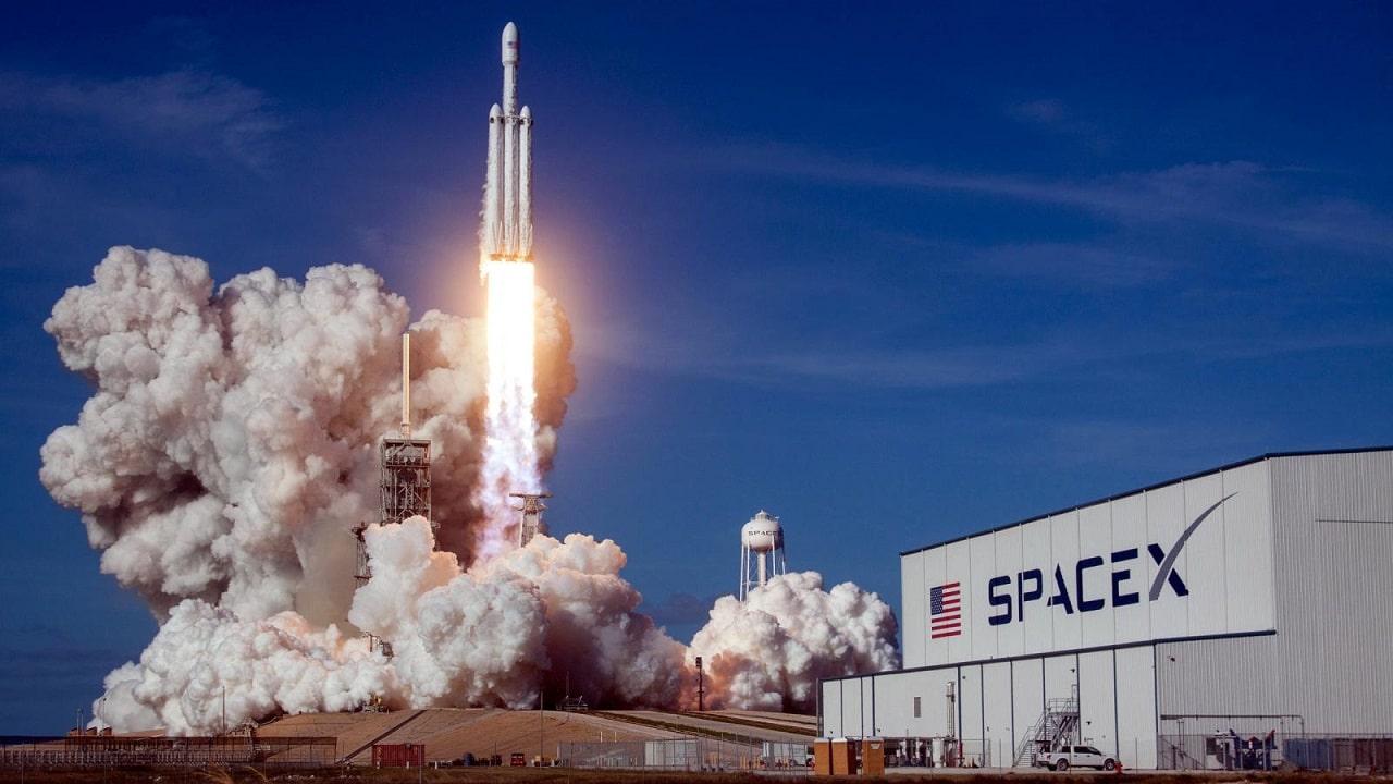 SpaceX ha fatto atterrare con successo un prototipo di razzo thumbnail