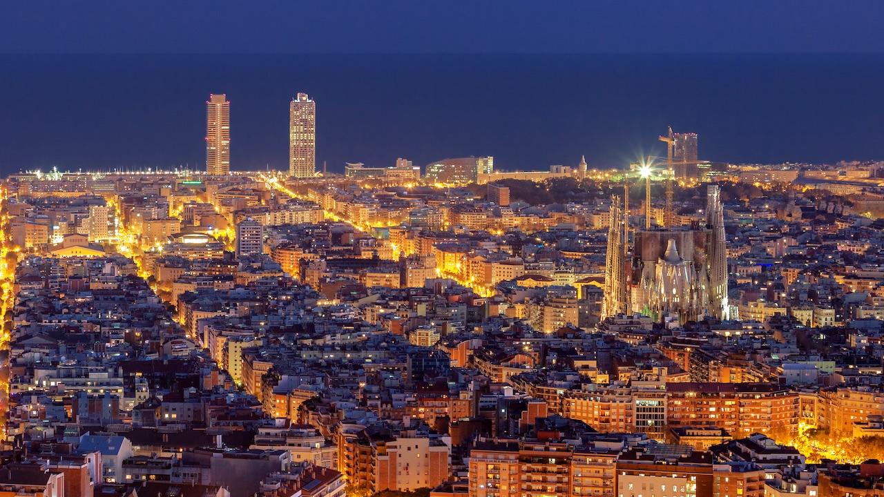 Barcellona diventa green: la pavimentazione è fotovoltaica thumbnail