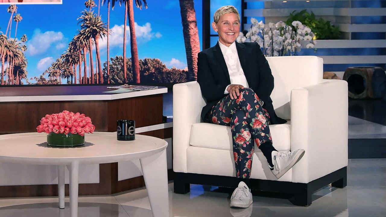 Ellen DeGeneres chiude il suo show thumbnail