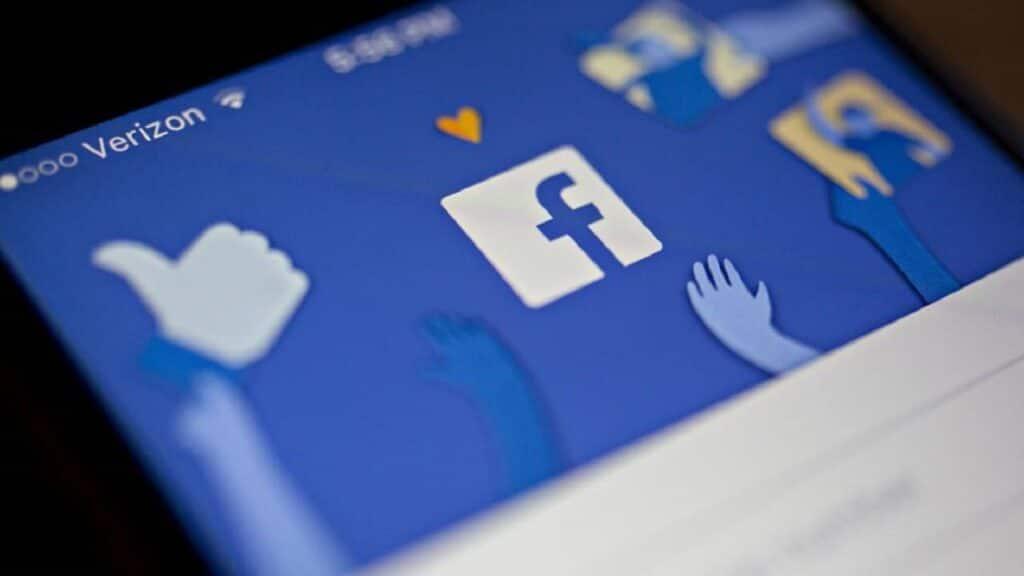 facebook elezioni 2016 contro 2020-min