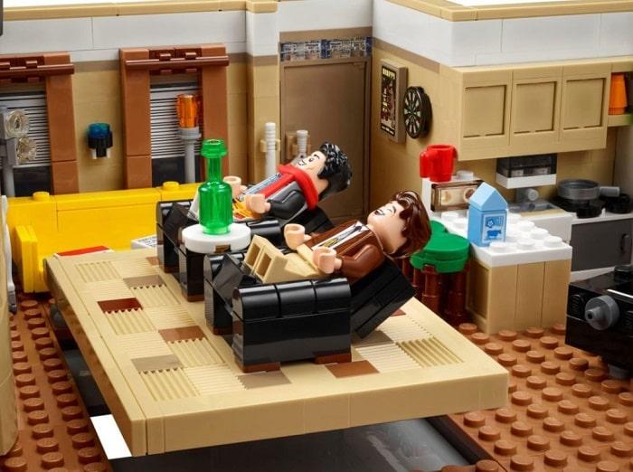friends set dedicato lego serie tv-min