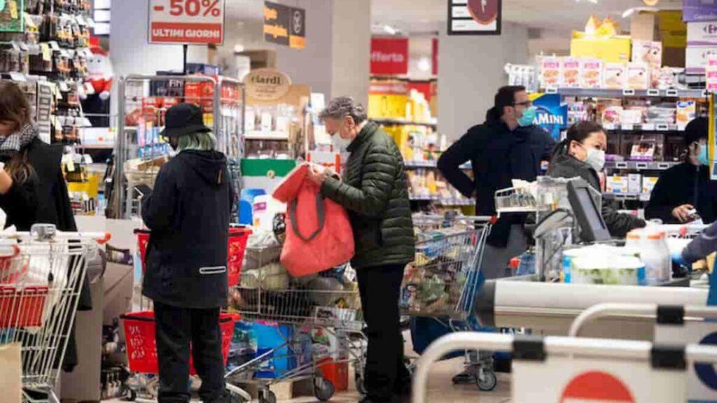 medico riconosce positivi al covid al supermercato