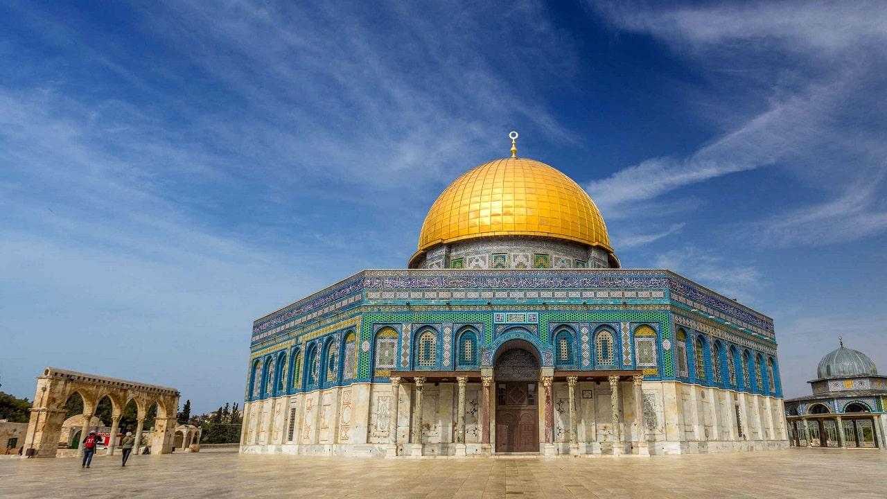 """Instagram ha """"rimosso per errore"""" i post sulla moschea di Al-Aqsa thumbnail"""