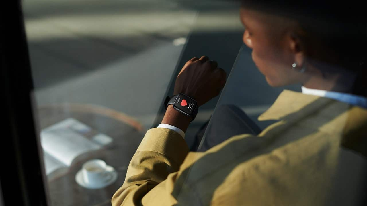 Oppo Watch torna in Italia e regala Enco W11 thumbnail