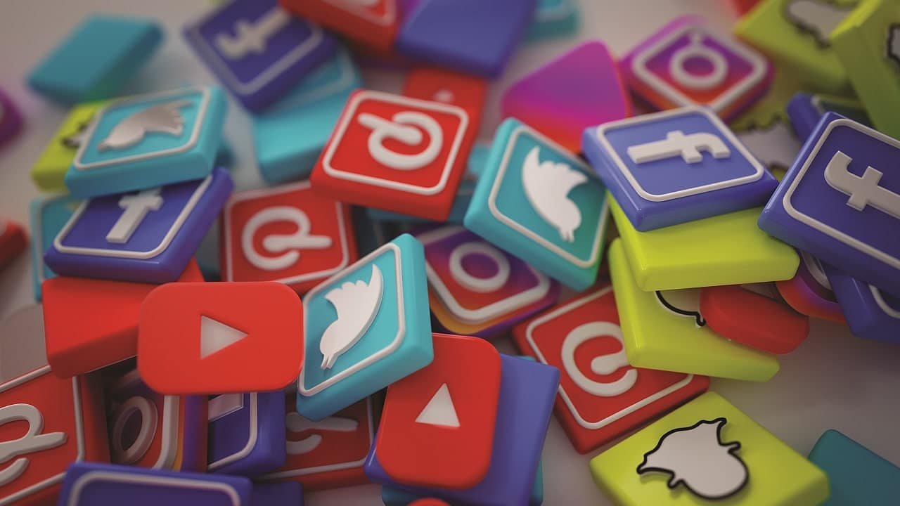 Tutti gli effetti negativi dei social media thumbnail