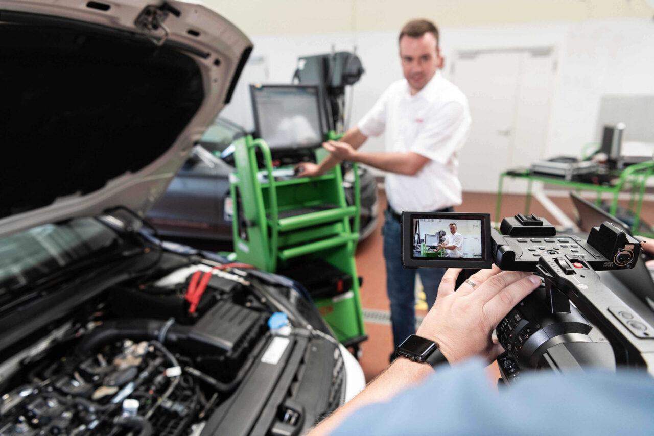 Bosch Automotive Aftermarket, il nuovo programma di formazione digitale per le officine thumbnail