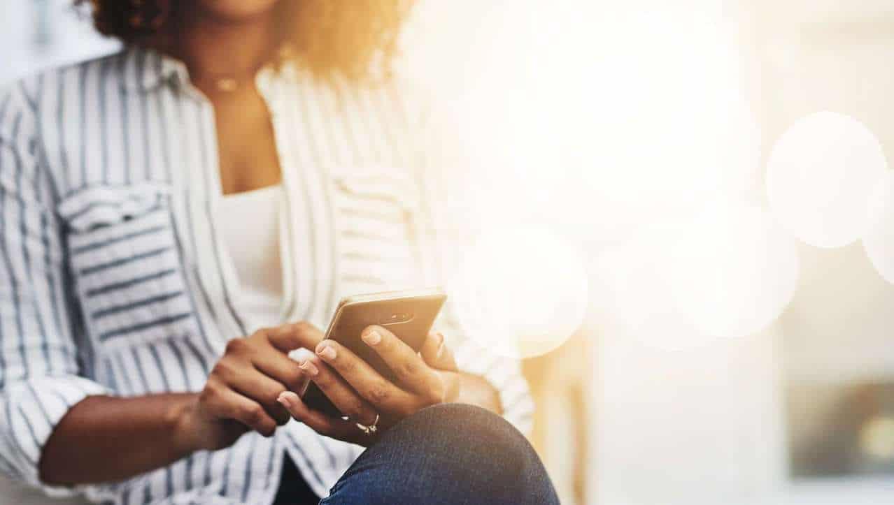 """Lo smartphone è """"il luogo in cui viviamo"""": lo dicono gli antropologi thumbnail"""