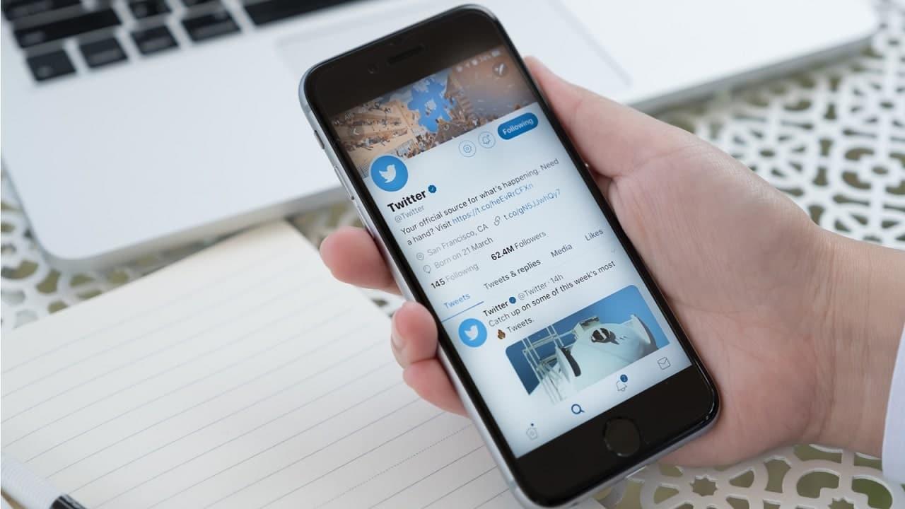 Twitter collabora con due siti di notizie per contrastare la disinformazione thumbnail