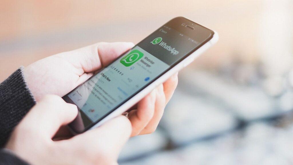 whatsapp trasferimento chat cambio numero-min