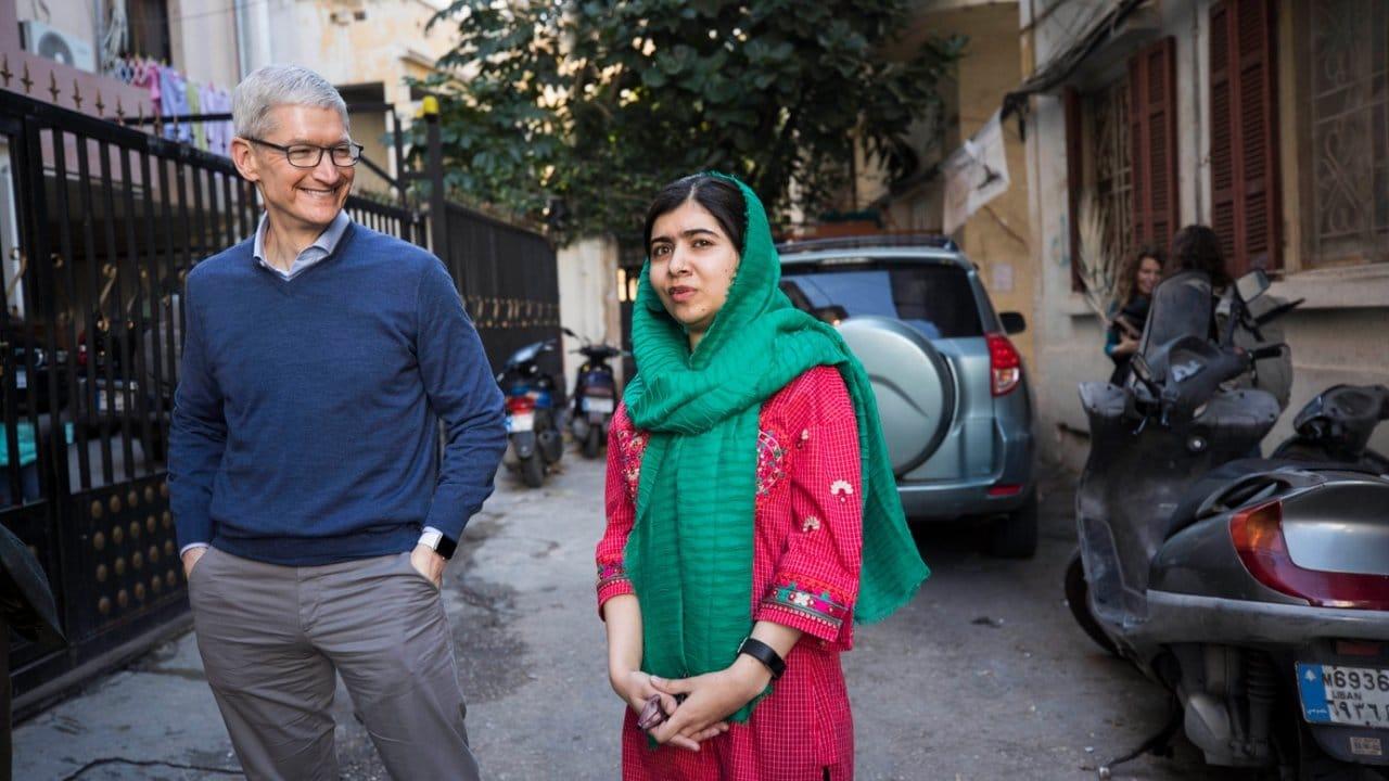 Il CEO di Apple ha parlato con Malala di codifica, educazione e pandemia thumbnail