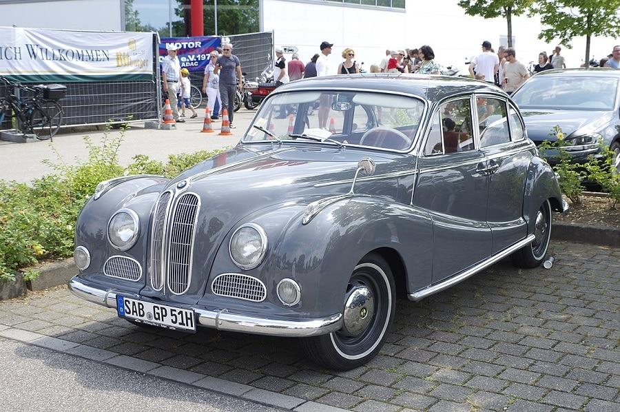 Auto su licenza BMW 501