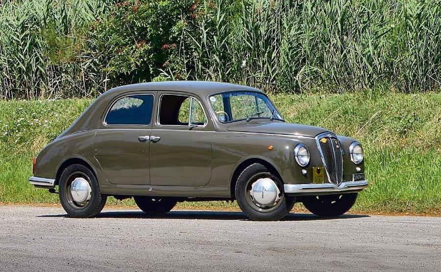 Auto-su-licenza-Lancia-Appia