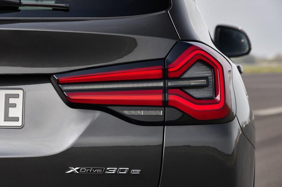 BMW X3 2021 fari