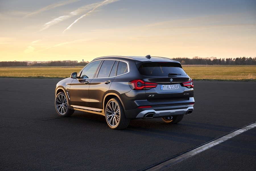 BMW X3 2021 posteriore