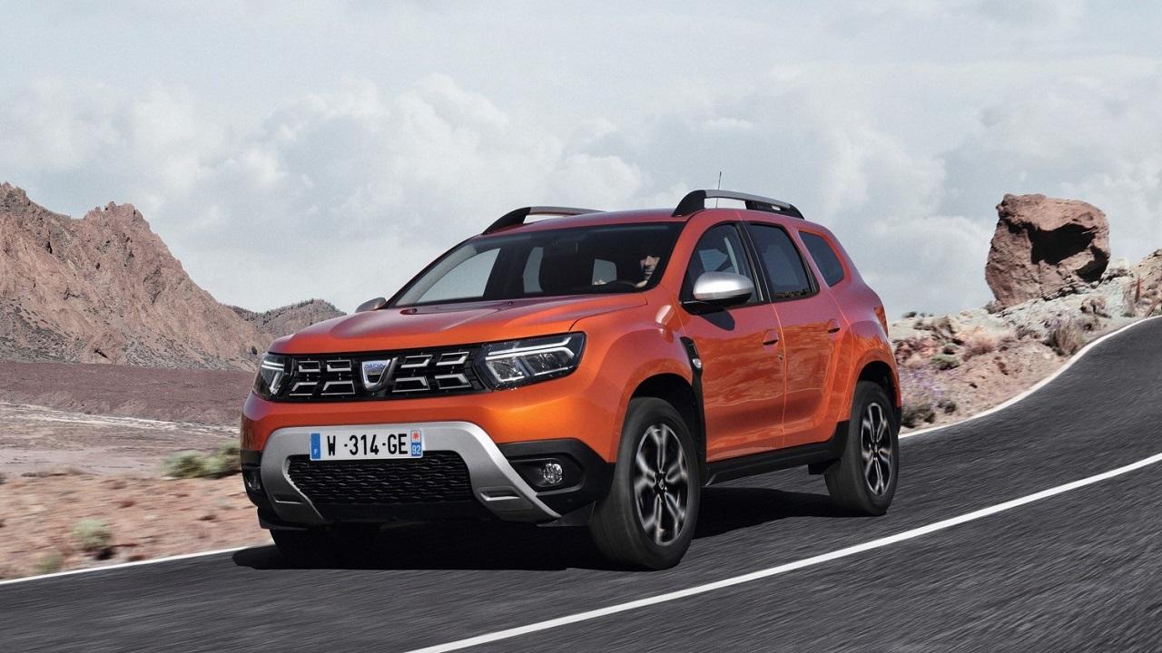 Dacia Duster si rinnova: il restyling porta nuovi fari a LED, interni più tecnologici e fino a 150 CV thumbnail
