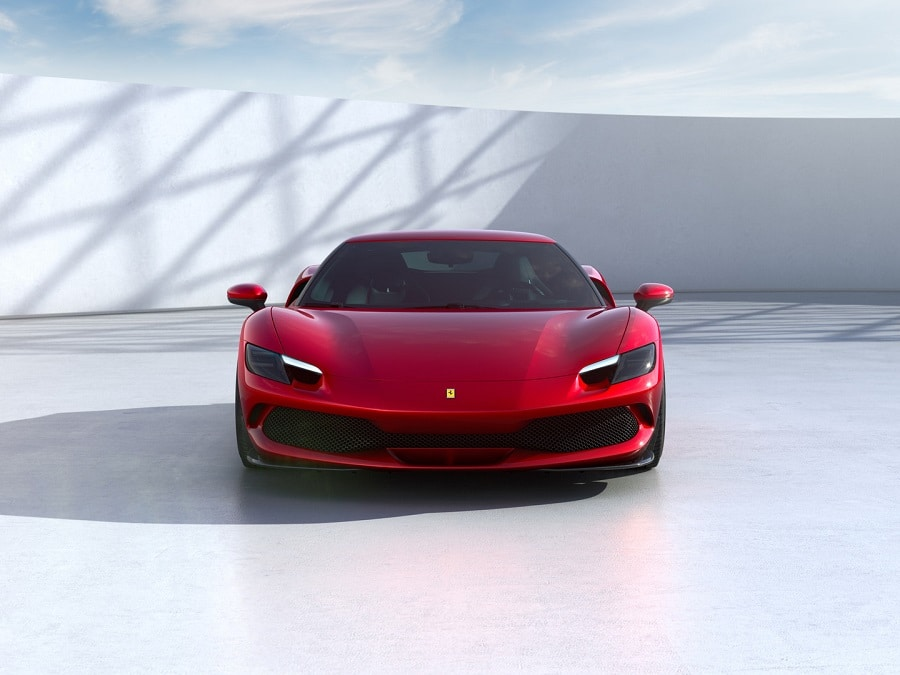 Ferrari 296 GTB estetica aggressiva