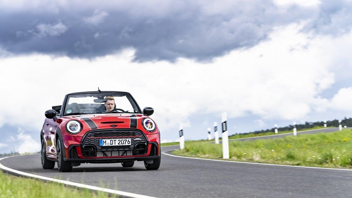 MINI John Cooper Works Cabrio: 24 ore al Nurburgring thumbnail
