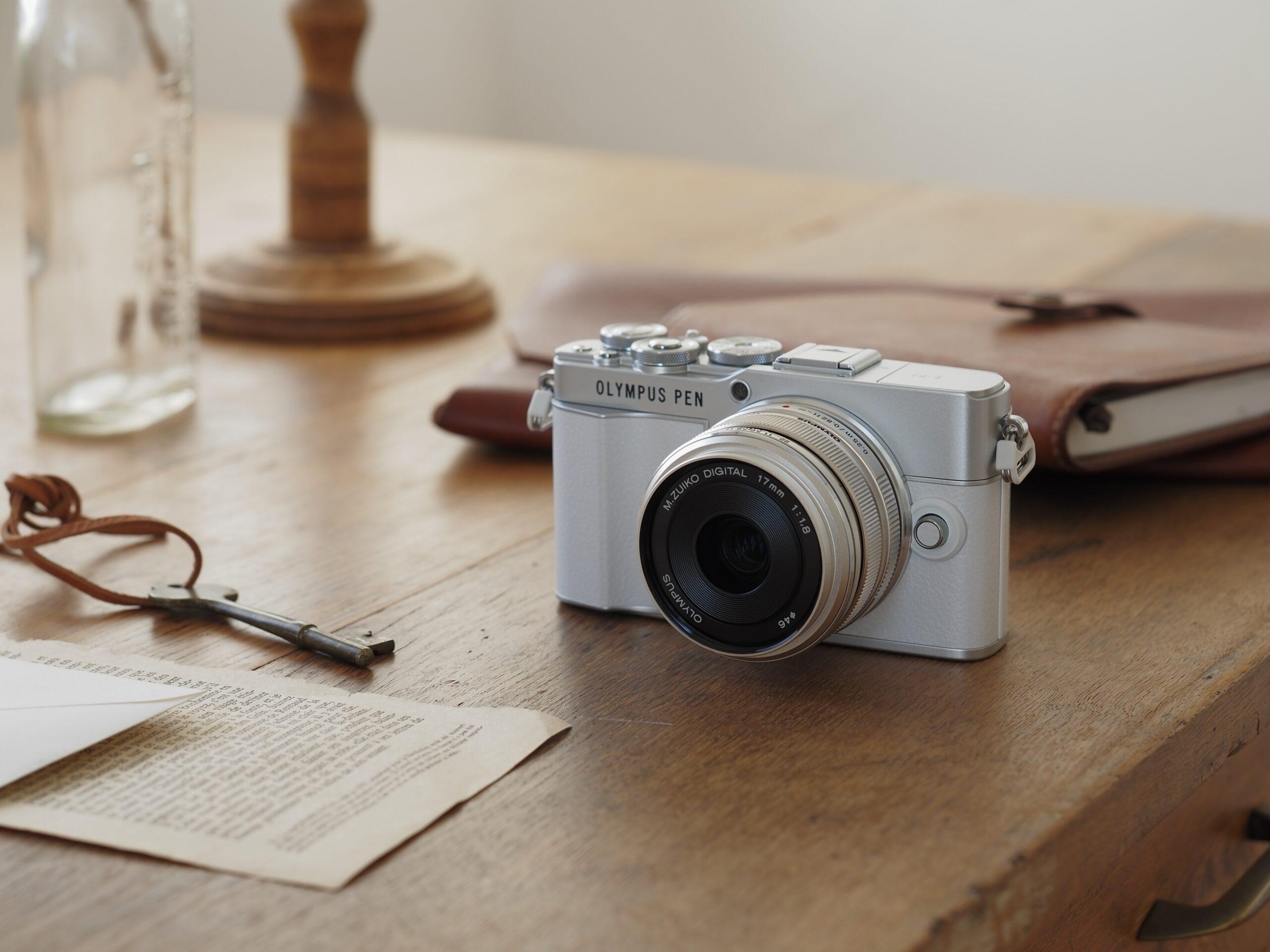 Olympus presenta PEN E-P7 e M.Zuiko Digital ED 8-25mm F4.0 PRO thumbnail