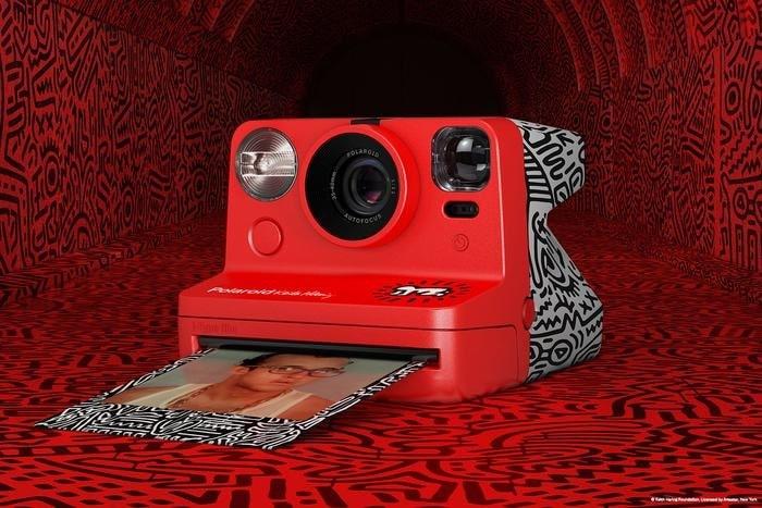 Polaroid x Keith Haring-min