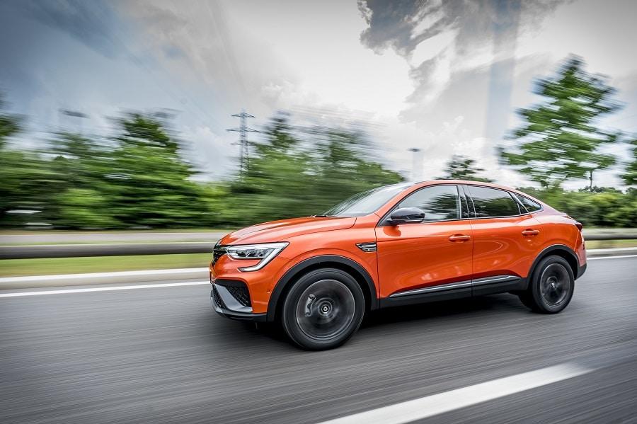 Renault Arkana Hybrid guida