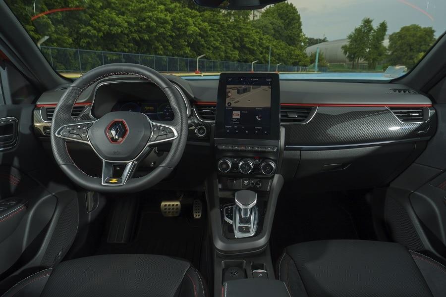 Renault Arkana Hybrid interni